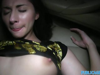 PublicAgent Sex in the car with a hitch hiker