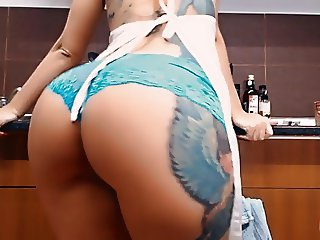 Big Booty Busty Tattooed Teen! Masturbs Herself in Kitchen!