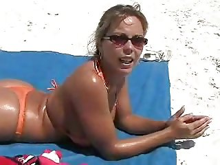 HOT FUCK #201 From the Beach to the Place (Cougar)