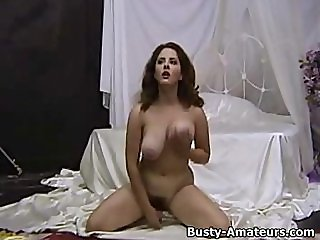 Busty amateur with great tits Jonees playing