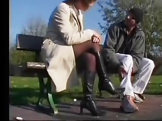 Runner enjoys the healing hands of a MILF in stockings