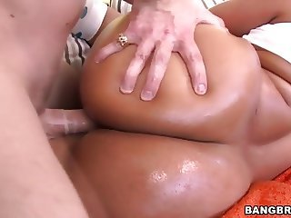 Huge oiled booty Rose