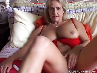 Beautiful big tits old spunker imagines you fucking her