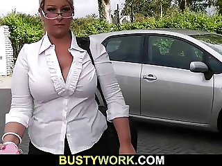Plumper gets her fat hole licked and fucked