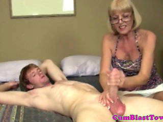 Bukkake milf amateur in spex facialized
