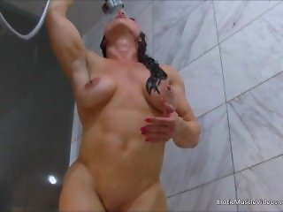 EroticMuscleVideos Smooth Bathing And BrandiMae's HardBody