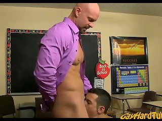 Young Gay Teen fucked by his teacher - GayHardTube.com