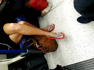 Mature legs and feet spycams