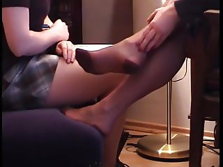 Young sniff mature Lady nylon feet 1