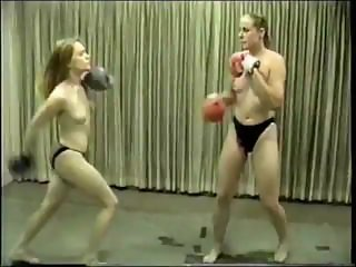 Cal Supreme Darlyn v Heather x-factor topless boxing