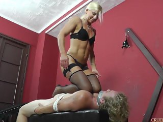 Amazon Mistress Sits on her Slave and Slaps his Face