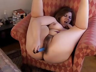 Chubby Cutie Gets Off