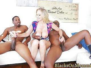 Classy housewife spitroasted by black dudes