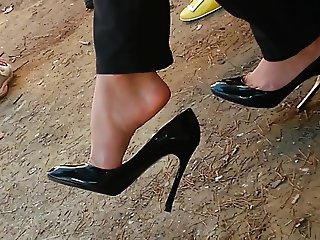 Candid feet in heels