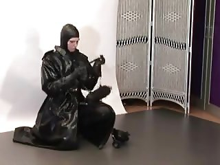 Heavy Rubber Girl