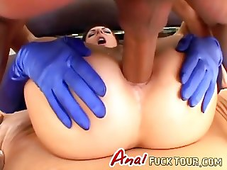 Stunning whore in anal threesome
