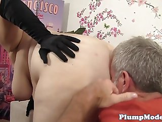 Cockriding bbw beauty screwed in stockings