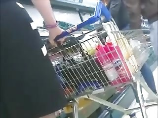 MILF legs in Tesco