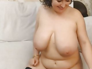 Bigg Tittts Mature Webcam