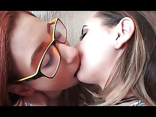 hot girls deep kissing 4645635