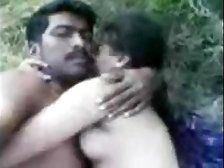Tamil couple sex in open field