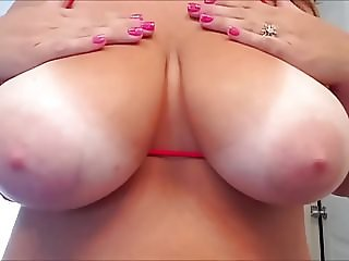 26yr old wife playing with 36HH boobs