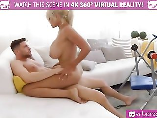 VR PORN-BRIDGETTE B SEXY MOM HAVING SEX WITH THE POOL BOY