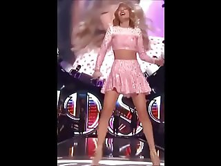 Taylor Swift Sexy Upskirts