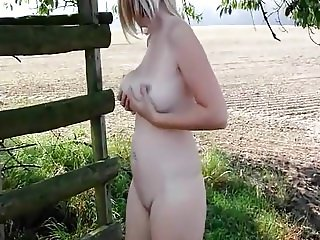 Milf pissing outdoor
