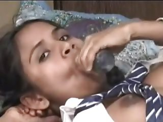 INDIAN SCHOOL GIRLS TRIES ANAL WITH MOMM DILDO