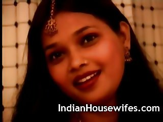 Indian Housewife Red Sari Stripping Exposing Big Butts