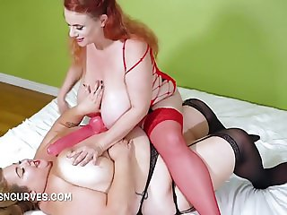 Big tits and Big Belly play with Lesbians