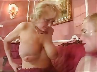 Gorgeous Hangers On This Mom With Son