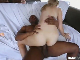Alexa Grace Tries BBC With Her Lips