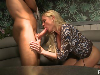heat on the street sex in public - Scene 3