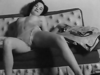 DIRTY FEELING - vintage 50's beauty striptease