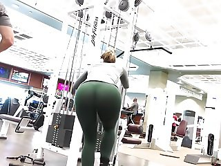 BEST ASS AT GYM EVER!!! VTL