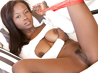 Ebony beauty Jezabel Vessir