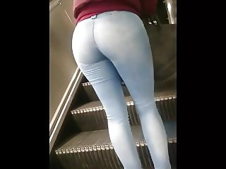Candid Goregeous Blonde Babe Juicy BubbleButt In Tight Jeans