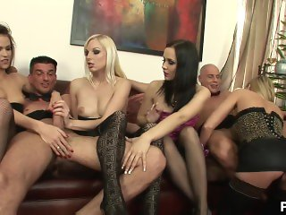 pure paige prague - Scene 1