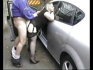 UK Dogging in car parks with cumshots