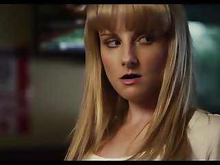 Celebrity Melissa Rauch gets raunchy in Bronze