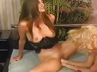 Beautiful milf fisted by blond girl