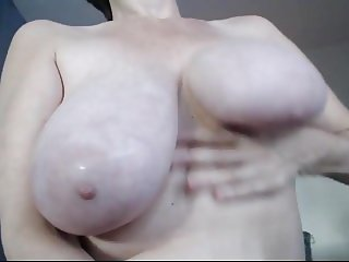 Canadian Cam Cougar - Boob Play