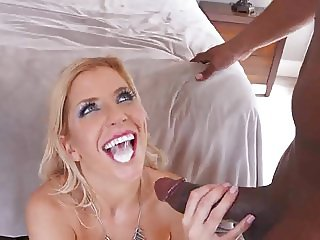Ashley LOVE DOUBLE PENETRATION BY BIG BLACK COCK !