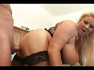 Blonde in stockings gets a hard pounding