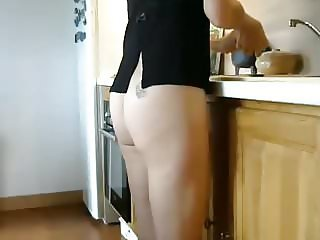 Nice ass in the kitchen 2