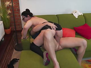 Hairy mom with big pussy fucked by daddy
