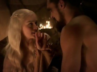 Emilia Clarke real sex scene - Game of Thrones