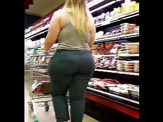 Vouyering CandidASs - Monster Curves Fat ASs blonde girl